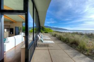 Stinson Beach,California,94970,4 Bedrooms Bedrooms,6 Rooms Rooms,3 BathroomsBathrooms,Single Family Home,Seadrift Road,1014