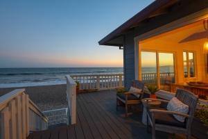 Stinson Beach,94970,3 Bedrooms Bedrooms,6 Rooms Rooms,2 BathroomsBathrooms,Single Family Home,Calle del Ribera,1039