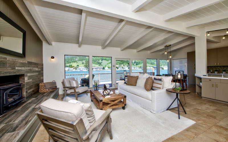 Stinson Beach,94970,3 Bedrooms Bedrooms,6 Rooms Rooms,2 BathroomsBathrooms,Single Family Home,Seadrift Road,1043