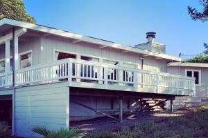 Stinson Beach,94970,3 Bedrooms Bedrooms,5 Rooms Rooms,3 BathroomsBathrooms,Single Family Home,Sonoma Patio,1051