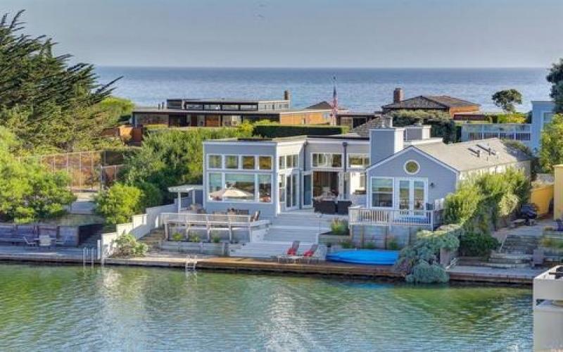 Stinson Beach,94970,3 Bedrooms Bedrooms,5 Rooms Rooms,2 BathroomsBathrooms,Single Family Home,Seadrift Road,1052